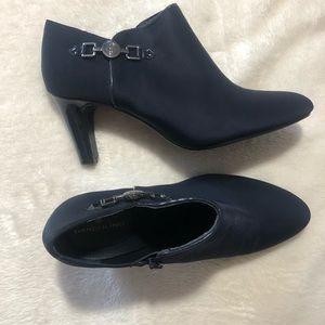 ❤️Bandolino New Dark Blue Booties Shoes Size 10❤️